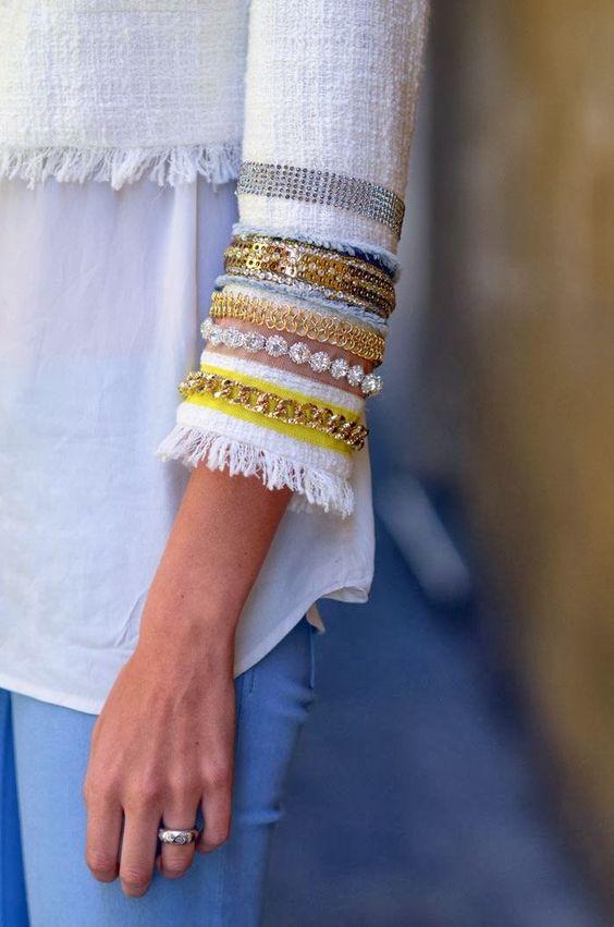 ¿Quieres cambiar totalmente el aspecto de una chaqueta ?. Solo necesitas bonitas cintas de pasamanería y toda la imaginación que quieras emplear. Chaqueta  de Max Mara