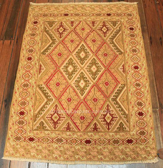 Small Rugs up to 150cms : 3702 FINE MUSHWANI