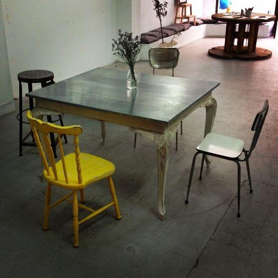 #muebles #vintage #retro #industrial #letras #lampara #letrasconluz #decoracion #arte #artesanal
