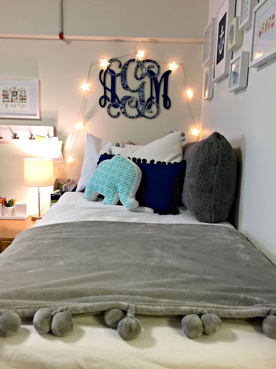 cozy dorm room decor ~ we ❤ this! moncheriprom.com: