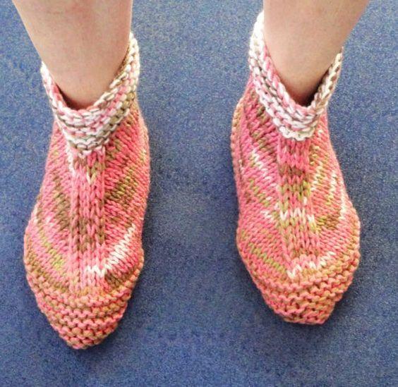 free knitting patterns slippers Work: Boot Slippers for Women -- Knitting P...