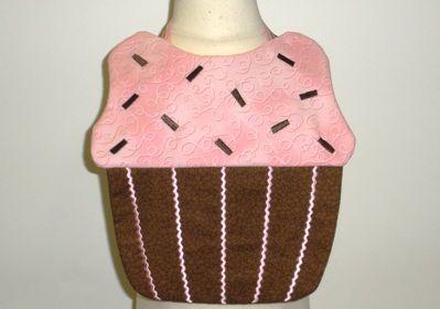 Cupcake Bibs In the Hoop