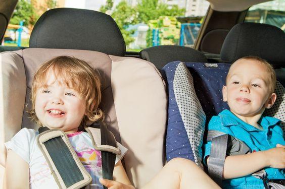 Lange Autofahrten mit Baby und Kindern (Foto: panthermedia - Dzmitry Marhun) - Die Reisezeit beginnt! Die reiseerfahrenen Eltern der Redaktion haben die besten Tipps gesammelt, die lange Strecken erträglicher machen.