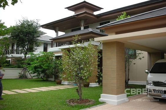 Single house in compound (Ref. 4459) - A regal residence with true elegance of Oriental Contemporary style.