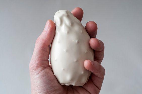 Weiße Keramik Salz und Pfeffer Shaker / Keramik Cactus Shaker / Judaica / Made in Israel / handgemachte Keramik