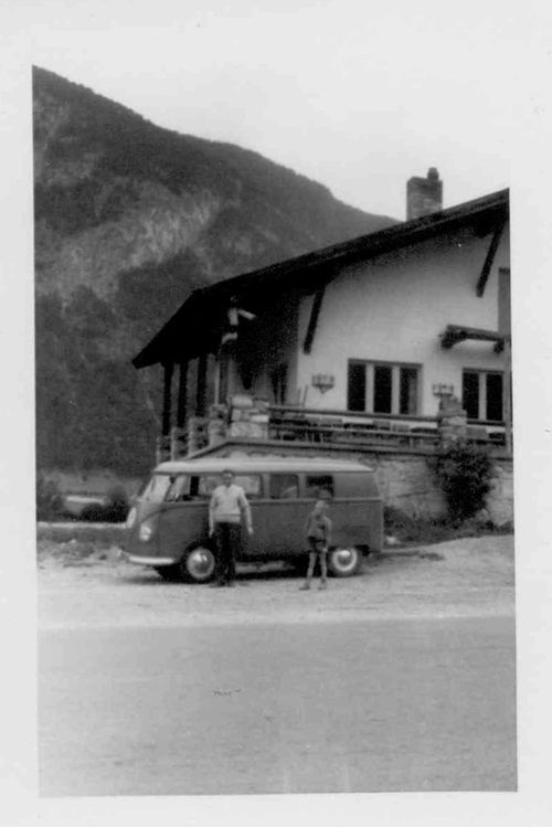 "Curbside Classic: 1965 VW Deluxe Micro Bus ""Samba"" – Tinnibus"