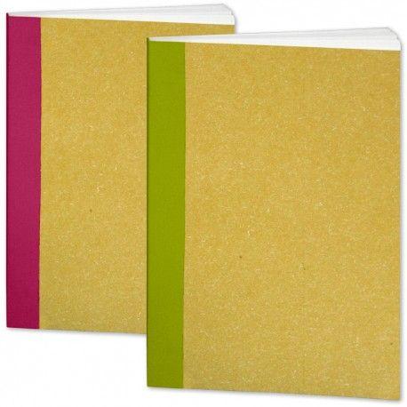 2er flexible Skizzenbücher DIN A5, pink + grün  Ich liebe sie. Den textilen Heftrücken gibt es in vier Farben, ansonsten sind sie absolut neutral. Das Papier ist stabil, leicht gerauht und Chamois-farben. Ideal für Bleistiftskizzen. Zum Schreiben liegt noch ein Einleger mit Linien und Rechenkästchen bei.