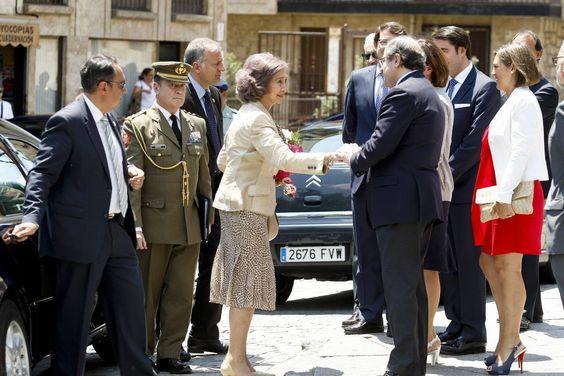La reina Doña Sofía inaugura en Salamanca el III Simposio Internacional de Alzheimer (1/2)