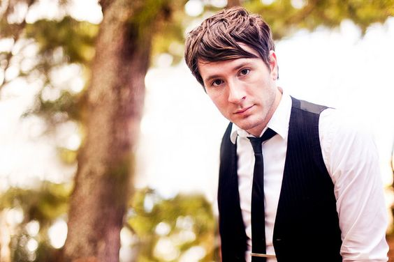 Words cannot express how much I love Owl City. (or him. Same difference.)