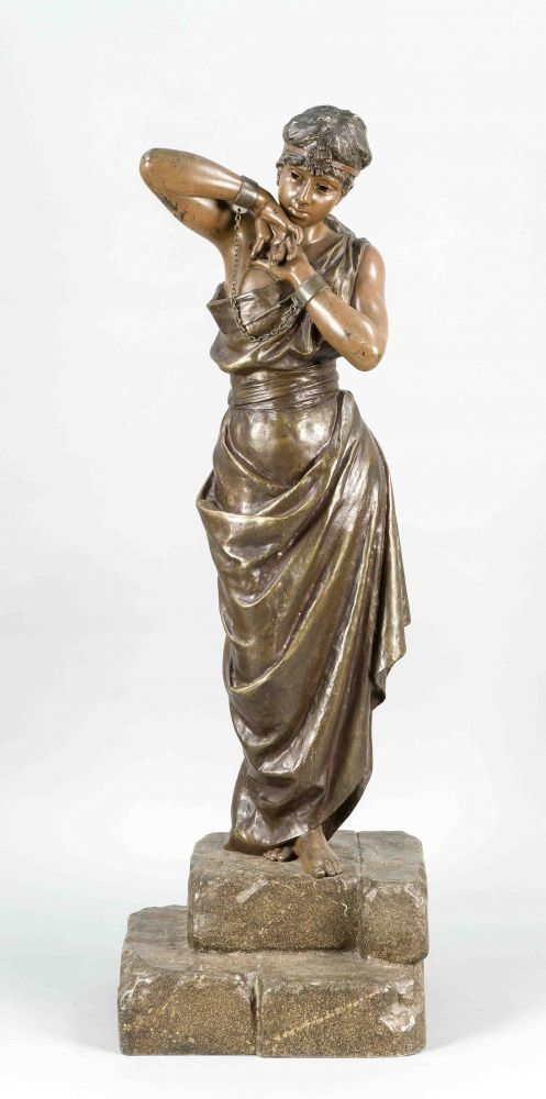 Emmanuel Villanis (1858-1914), große Bronzeplastik einer jungen Sklavin in Handschellen,farbig pati — Skulpturen, Plastiken, Installationen, Bronzen, Relief