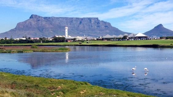 Table Mountain. My friend @Frans Cronje has this view from his office window every day!!
