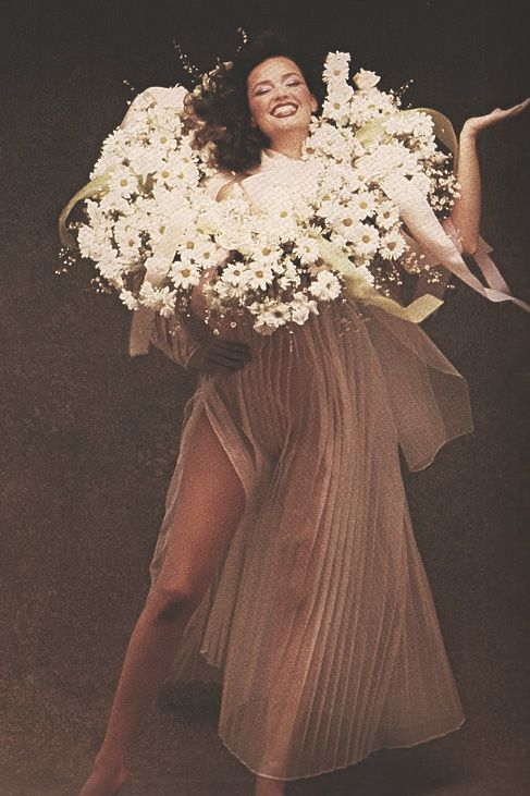 "Vogue Italia December 1979 ""Bianco e Pastelli Dalle 8 Alle 8"" Model: Marcia Hunt by Peter Lindbergh"