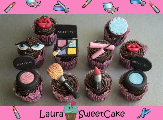 Make-up Cupcakes - Cake by Laura Dachman