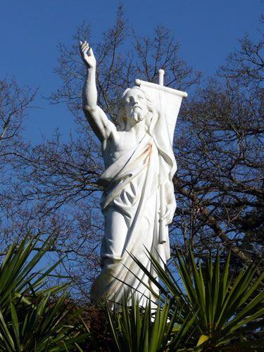 Calvaire de PontchateauSommaireLes sites religieuxRésurrection
