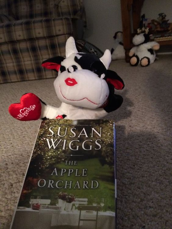 Ann-Louise Smith gives The Apple Orchard some love with a sMOOch!