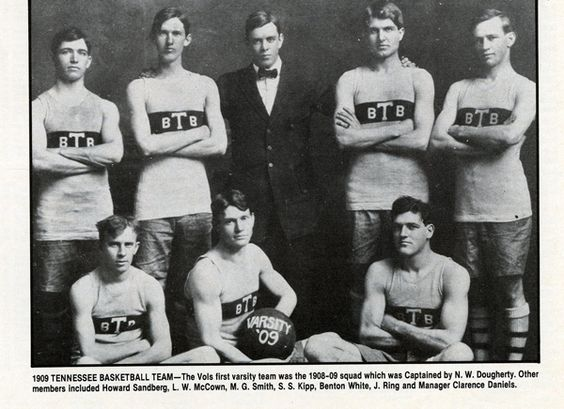 The Vols first varsity team in 1909.