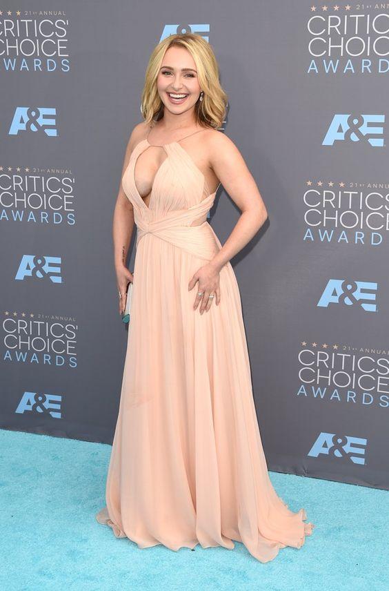 Pin for Later: Hayden Panettiere strahlt endlich wieder auf dem roten Teppich Hayden Panettiere bei den Critics' Choice Awards