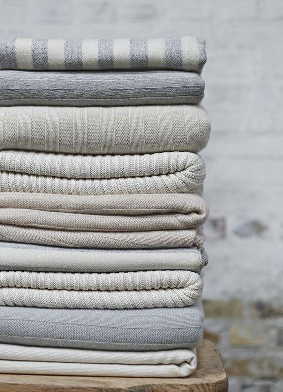 pulls en cachemire blog and cachemire on pinterest. Black Bedroom Furniture Sets. Home Design Ideas