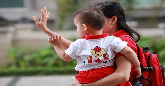 Những điều bố mẹ cần làm để bé ngoan ngoãn khi đi nhà trẻ