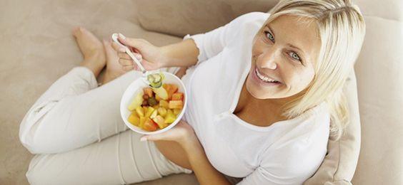 ¿Quieres reducir tu cintura? Usa éstos alimentos. http://quebellamujer.com/alimentacion-y-ejercicios-vs-papada/