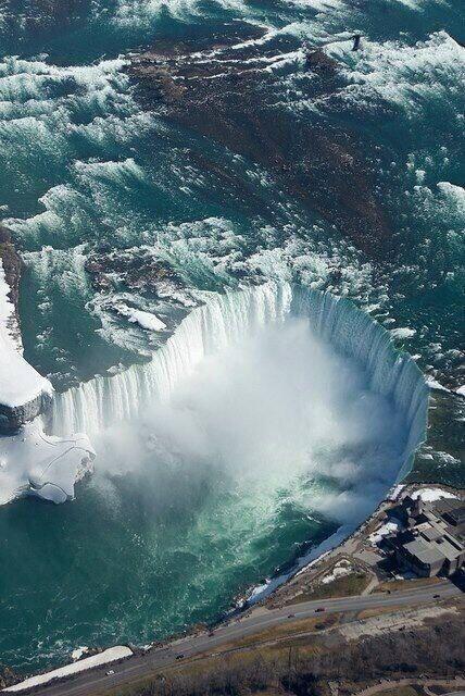 Vista aérea de las Cataratas del Niagara, Canadá