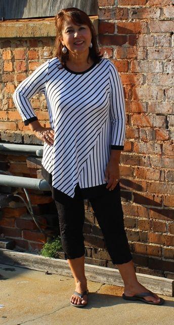 Comfy USA Chloe Tunic in Black and White Stripe - Robin's Nest