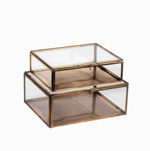 Our elegant Kavali box is handmade from copper and glass. Each piece is individually hand welded together offering a beautifully crafted storage space. The copp