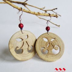 *boucles d'oreilles nature motif cerises en bois de cerisier
