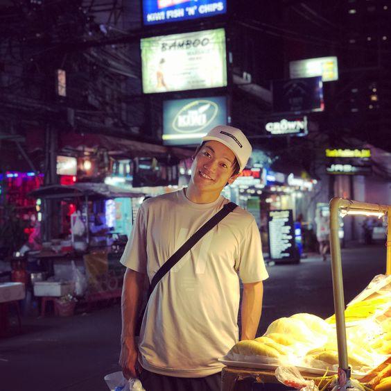 タイの夜景とおばたのお兄さん