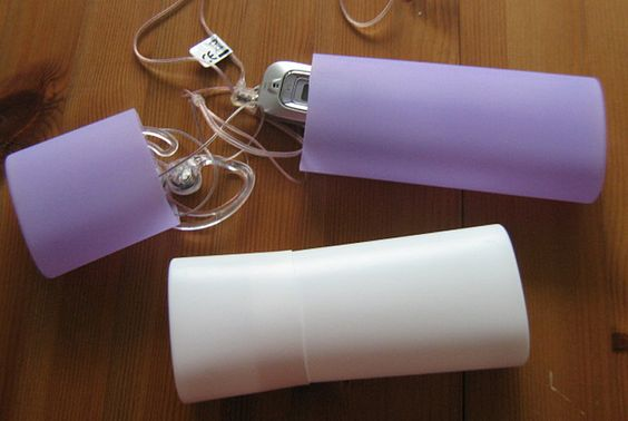 Shampoo-Etui - Leere Shampooflaschen zu wunderbaren Etuis weiterverarbeitet.  /  shampoo containers reused for storing small things