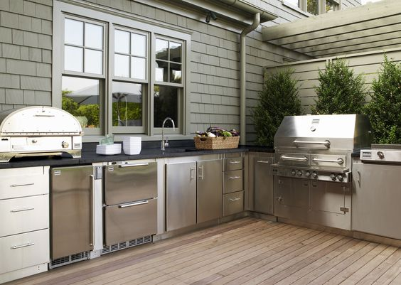 Gwyneth Paltrow's Kalamazoo Outdoor Gourmet Kitchen In The Hamptons
