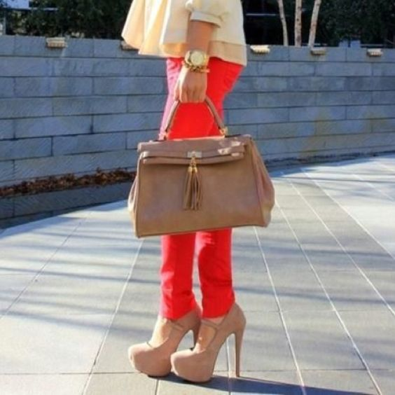 neutrals with a pop of color LOVE