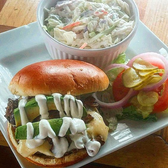 #captainmikes #burgeroftheweek #eatthis #burger