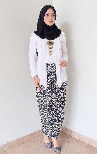 Tutorial Hijab Untuk Kebaya Kutu Baru : tutorial, hijab, untuk, kebaya, Tutorial, Hijab, Dengan, Kebaya, Model, Pakaian,, Pakaian, Pengiring, Pengantin,