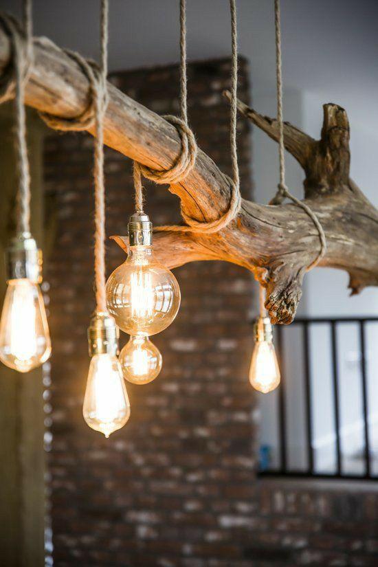 Lampadine A Sospensione Con Corda Arrotolata Ad Un Ramo In 2020 Holz Hangelampe Rustikale Lampen Lampen Wohnzimmer