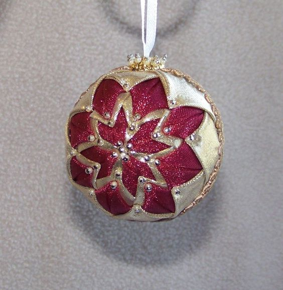 Small handmade quilt quilted star ball christmas ornament for Small gold christmas ornaments