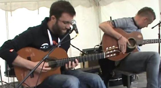 Lo mejor de Daft Punk con sólo dos guitarras acústicas (VIDEO) - Tutupash
