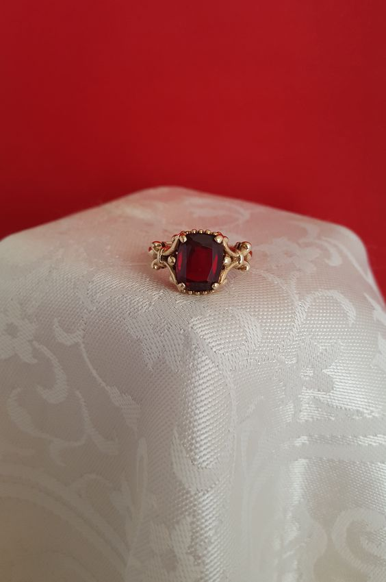 Beautiful Baroque style Deep Red Garnet in 10k Yellow Gold. Garnet is January's Birthstone.