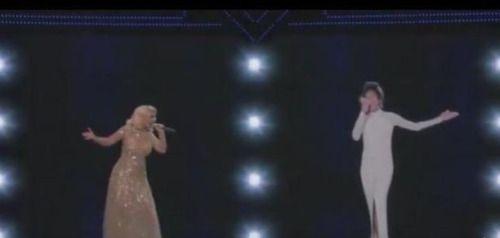Vídeo: La presentación censurada de @xtina Aguilera y...