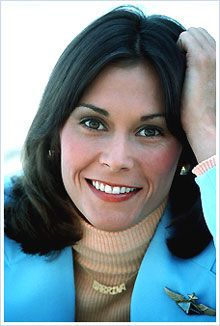 """Kate Jackson -- (10/29/1948-??). Actress/Director/Producer/Writer. She portrayed Sabrina Duncan on TV Series """"Charlie's Angels"""", Amanda King on """"Scarecrow and Mrs. King"""", Daphne Harridge on """"Dark Shadows"""" and Jill Danko on """"The Rookies"""". Movie -- """"Loverboy"""" as Diane Bodek."""