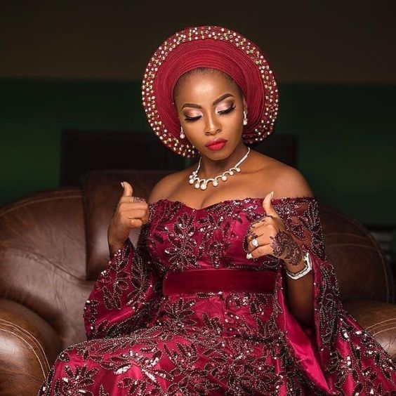 -  - WOW! CHECKOUT THESE  STUNNING GELE AND MAKE-UP STYLES - photo