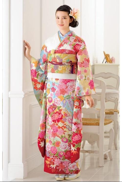 色とりどりな着物の武井咲