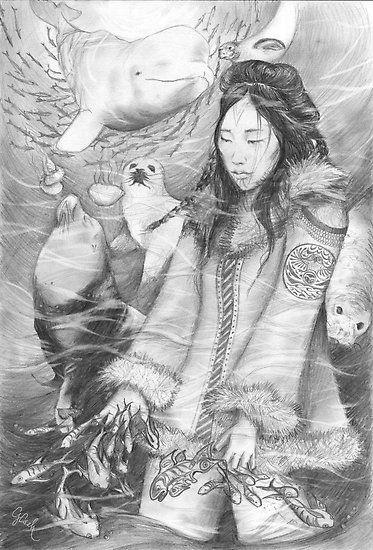"""""""Um dia uma gaivota mágica jogou um feitiço em Sedna prometendo-lhe riqueza e uma vida confortável. A jovem aceitou o convite da gaivota e seguiu-a rumo ao lar dos pássaros. Chegando lá Sedna se viu enganda, sendo submetida a maus tratos, pobreza e escravidão. Quando seu pai foi visitá-la ela pediu ajuda contando-lhe sua verdadeira situação naquele lugar."""