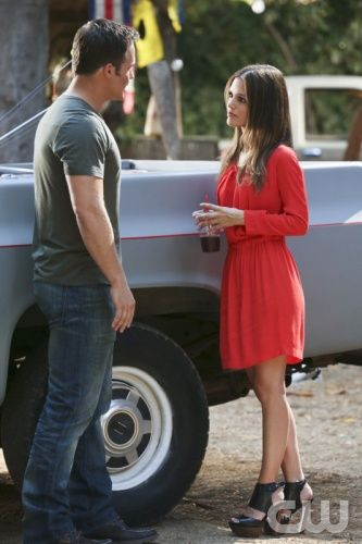 "Hart of Dixie -- ""Always on My Mind"" -- Pictured (L-R): Scott Porter as George and Rachel Bilson as Dr. Zoe Hart. Photo: Michael Yarish/The CW -- © 2012 The CW Network. All Rights Reserved."