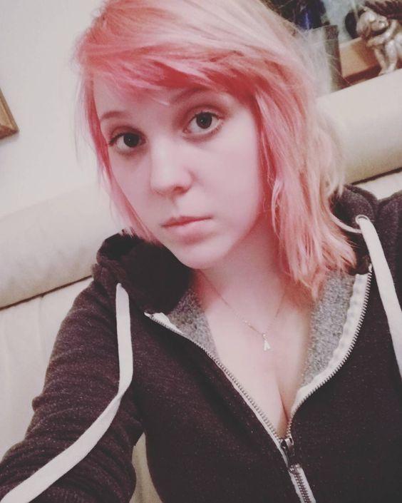 Bello #meh #pink&blond #czechgirl #noboobsforu xD by littleawis