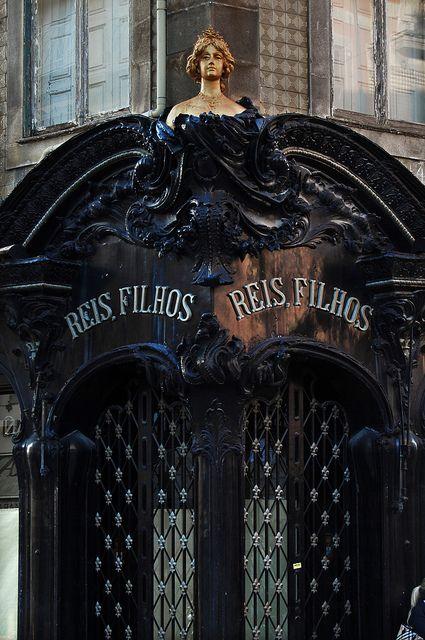 Ourivesaria Reis & Filhos by Jorge Lens, via Flickr