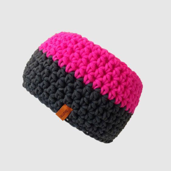 Gehäkeltes Stirnband für Jedermann.  Dieses Stirnband ist aus dicker Wolle nach +lust und laune+ gehäkelt und ein Unikat.  Es ist warm, super weich und ideal für den Winter..‼️