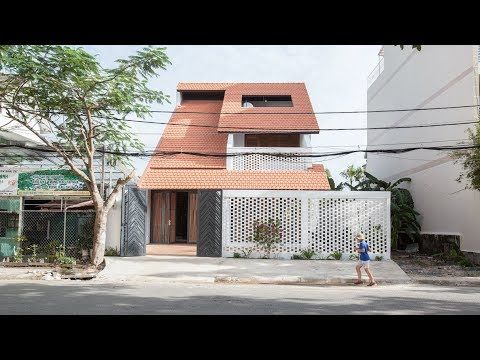 K59atelier S Tile Roof House Takes Cues From Traditional Vietnamese Homes Youtube House Roof Architecture Architecture House