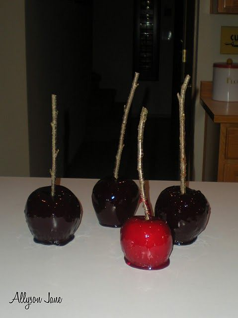 """""""Poisoned Apples"""" - cute idea for Halloween party!"""