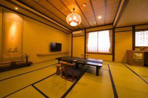Japanese-style room | 花扇別邸いいやま